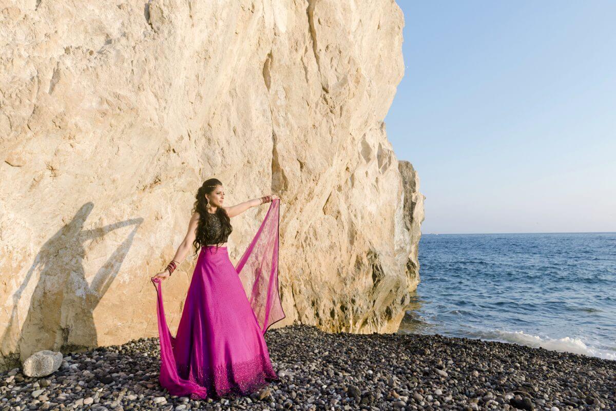 indian bride posing Santorini